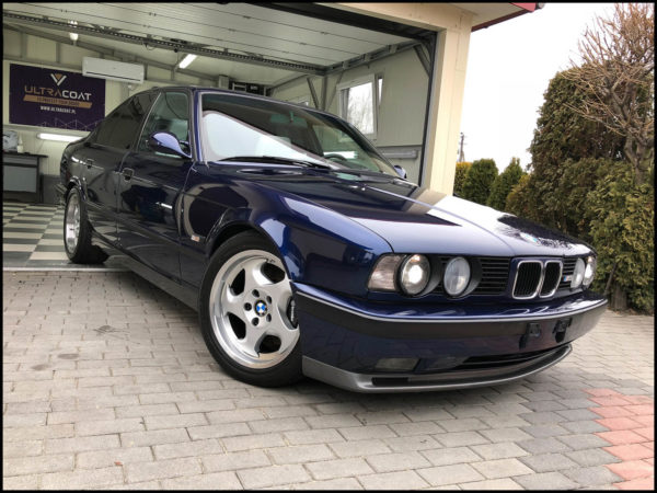 BMW E 34 M5 – Light Silver Grey Nappa Leather