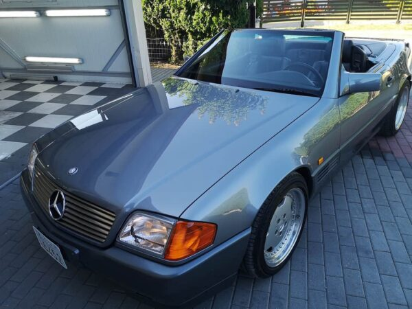 Mercedes-Benz R129 500SL – 42,000 km – Pearl grey metallic